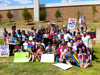 Prosmall 'Ex Gay' Road Show Protested By TWO in Houston; Attendance at Love Won Out Nosedives