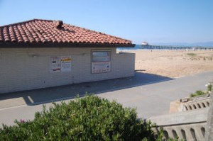 manhattan beach restroom 300x199 California Bathroom Sting Reveals Double Standard