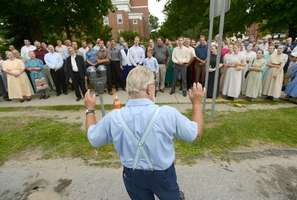 mennonite choir freeps Mennonites Serenade Anti Gay Pastor After Conviction in Child Abduction