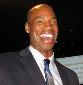 Collins 293x300 History: Jason Collins Signs and Plays For New Jersey Nets